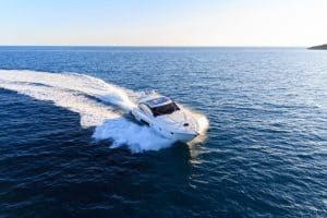 16 Tips for Boating in the Ocean Safely